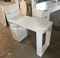 Маникюрный стол с бактерицидной лампой и оригинальной боковой панелью. Модель V179 белый, фото 1