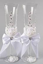 Свадебные бокалы украшенные лепкой ручной работы
