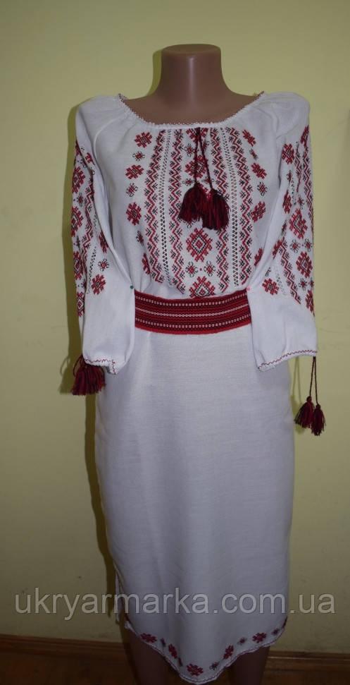 Ручної роботи вишите плаття