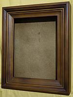 Киот для иконы ровный, покрытый мастикой, с деревянным багетом.