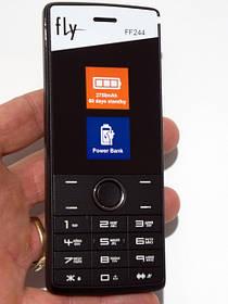 Кнопочный телефон с мощной батареей FLY FF244.