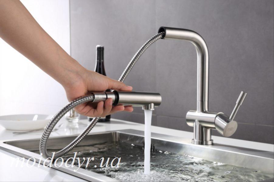 Смеситель с выдвижным душем Blue Water Corsa inox (нержавеющая сталь)