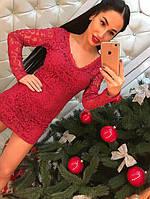 Красивое короткое кружевное платье красное