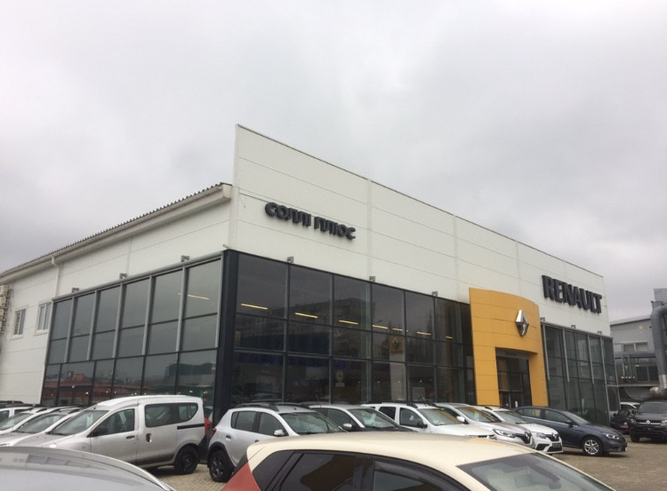 "Автосалон ""Renault"" обновлённое портфолио"