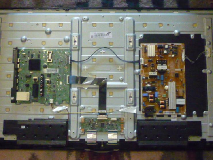 Платы от LED TV Samsung UE39F5500AKXUA поблочно, в комплекте (разбита матрица).