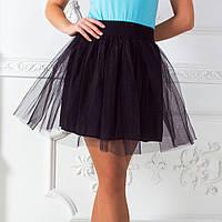 Короткая юбка в складку с фатиновой отделкой