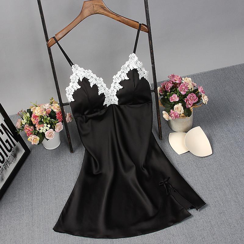 Жіноча нічна сорочка.Чорний атлас, біле мереживо XL - 317-02