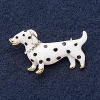 Брошка Собачка Такса біла емаль у стразах розмір 4,5 см * 2,5 см Mir-14051
