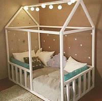 Домик-кроватка с бортиком