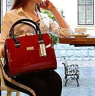 Сумочка элегантная стильная красная лаковая женская