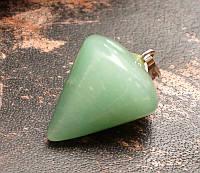 "Кулон ""Конус"" Хризолит натуральный камень (3х2,5х2,5 см)"