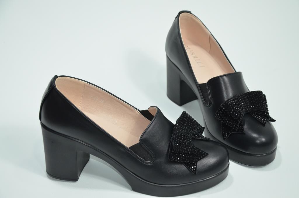 Туфли женские кожзам на каблуке