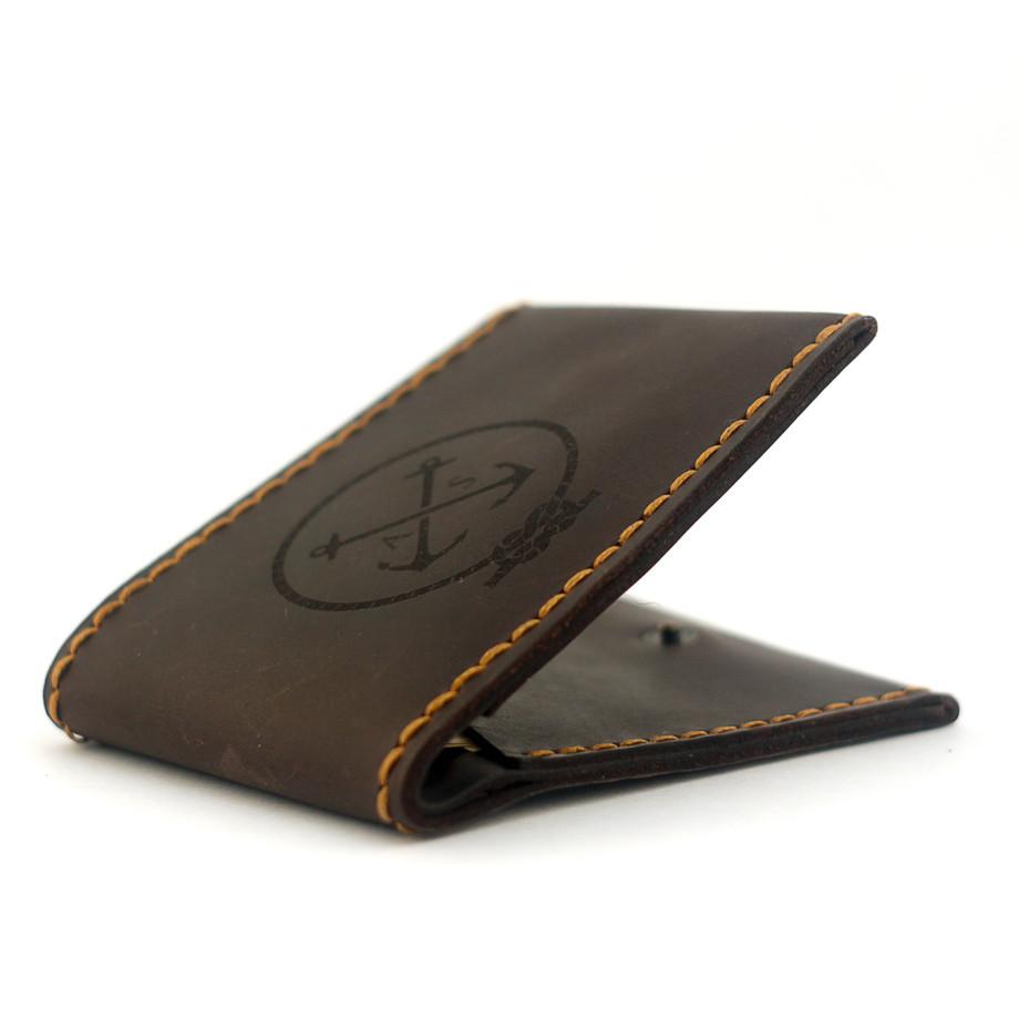 """Кошелёк мужской кожаный в морском стиле на кнопке """"Wallet Slim"""". Цвет коричневый"""