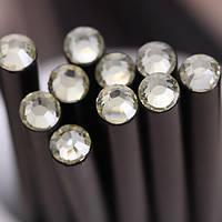 Оригинальный и модный простой карандаш черного цвета с прозрачным кристаллом