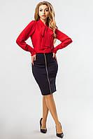 Женская нарядная красная блузка с бантом-галстуком на шее