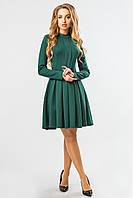 Нарядное женское зеленое платье с горловиной-стойкой и юбкой со складками