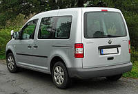 Установка (врезка) автостекла на автомобиль VW Caddy (07-) (Фольксваген Кадди 07-)