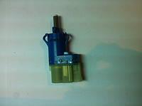 Форд Транзит Датчик стоп сигнала бело-голубой 1677533
