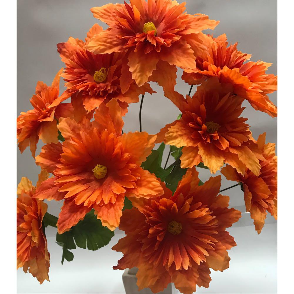 Искусственные цветы.Искусственный букет клематисов.