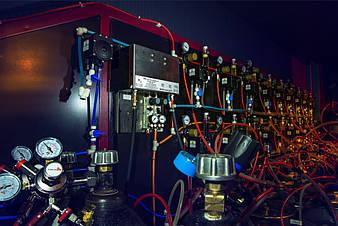 Помпа для промывки. В системе предусмотрена возможность промывать одновременно все пивные линии.
