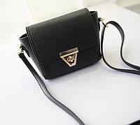 Маленька чорна жіноча сумочка з екошкіри через плече