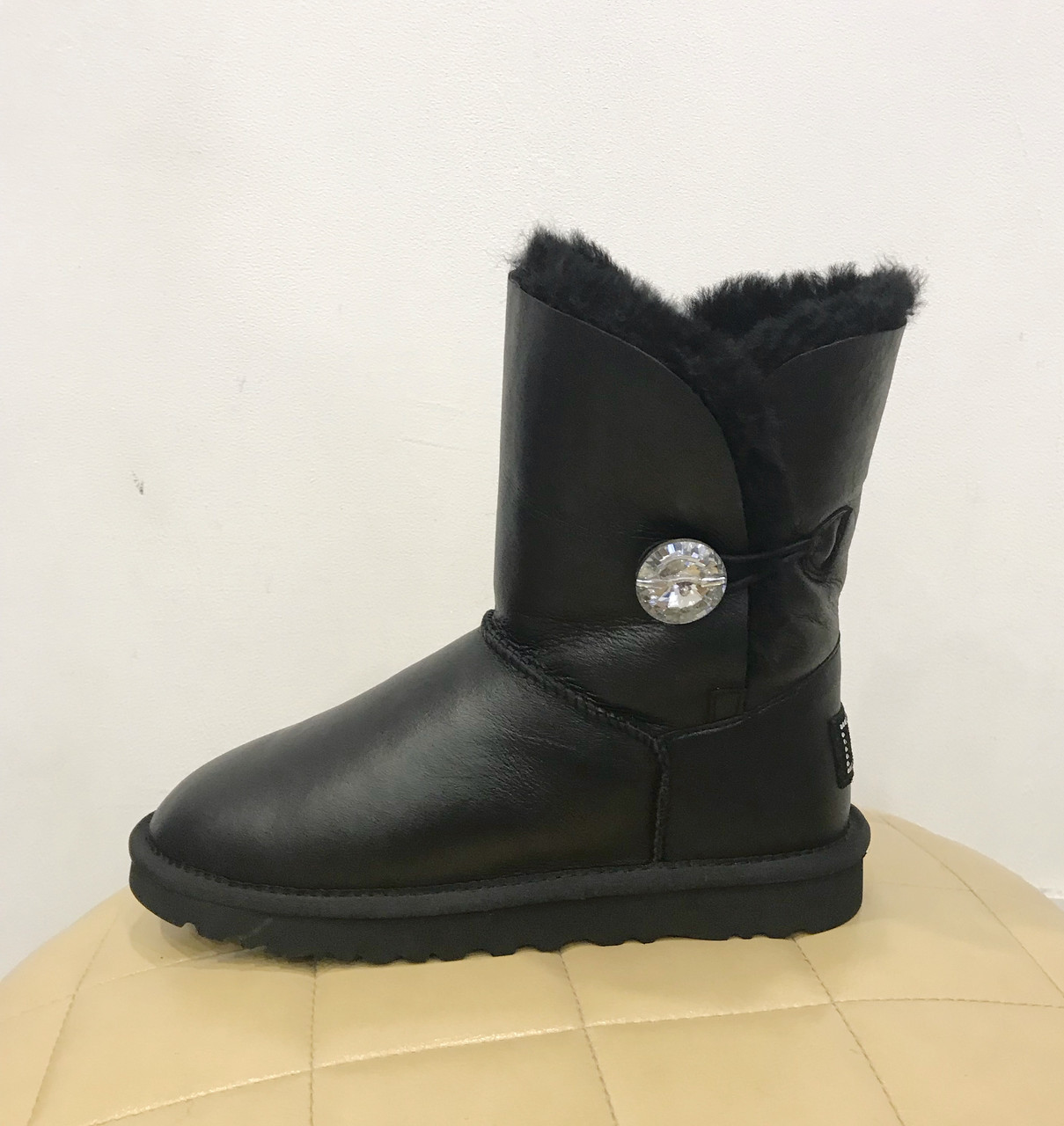 Черные короткие, кожаные угги с кристалом Swarovski BaIley Bling Black UGG® Australia