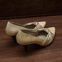 1602.1| Женские туфли на шпильке: 35