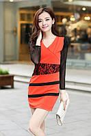 Женское красно-чёрное платье с кружевными вставками