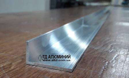 Алюминиевый уголок 30х15 х2 / без покрытия