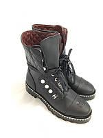 Модные кожаные высокие ботинки Chanel со шнуровкой и бусинами