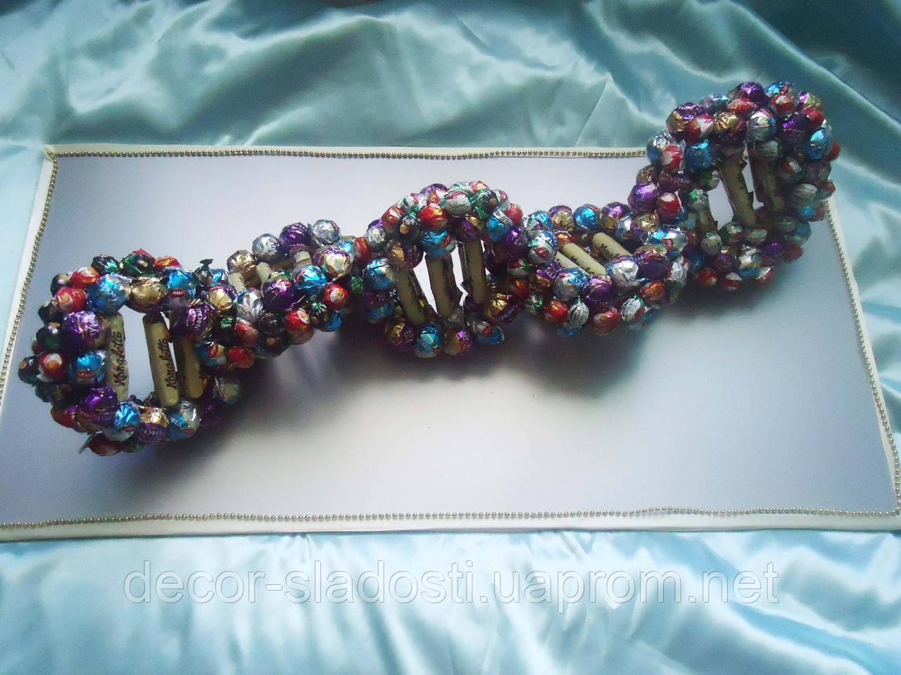 """Букет из конфет""""Молекула ДНК"""""""