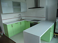 Кухня белый глянец/фисташка глянец