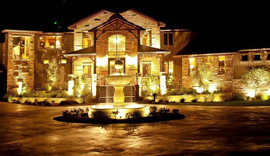 Световое оформление фасада и прилегающей территорий вашего объекта