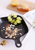 """Керамическая тарелка в виде квадратной сковородки """"NewYork, черная 16см."""