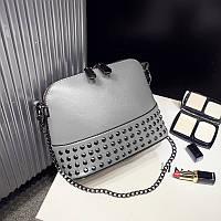 Женская сумка серая с заклепкам на цепочке опт, фото 1