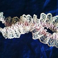 Подвязка на ножку белая с лиловым