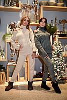 Вязаный женский костюм (брюки и свитер)