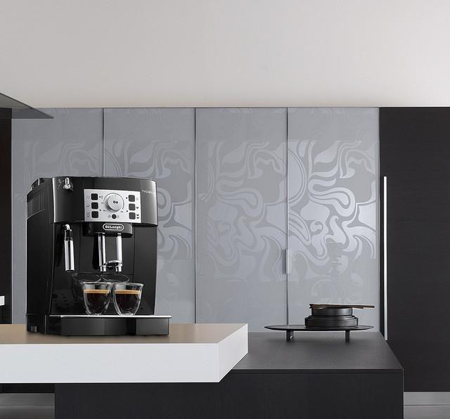 Кофемашина автоматическая Delonghi ECAM 22.110 B