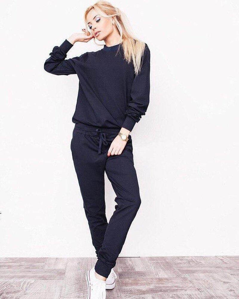 05f57260f720 Модный женский спортивный костюм черного цвета - Интернет-магазин одежды и  обуви от производителя