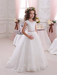 Платье детское кремовое длинное без рукава с кружевом. Пошив в размерах от года до 11 лет