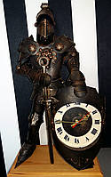 Рыцарь с часами высотой 60 см