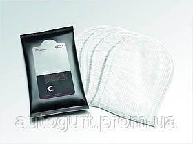 Перчатки для чистки салона Audi