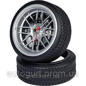 Настольные часы Toyota Matsuda Auto Tire Desk Clock on Tire Stand
