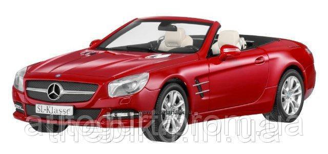 Модель автомобиля Mercedes Roadster SL R231 Red, Scale 1:18