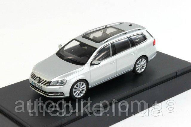 Модель автомобиля Volkswagen Passat Estate Silver, Scale 1:43