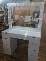 Стол для макияжа с двумя тумбами, защитным стеклом на столешнице и зеркалом в раме А124