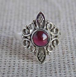 Серебряное кольцо с гранатом 17.5 размера . Кольцо с альмандином
