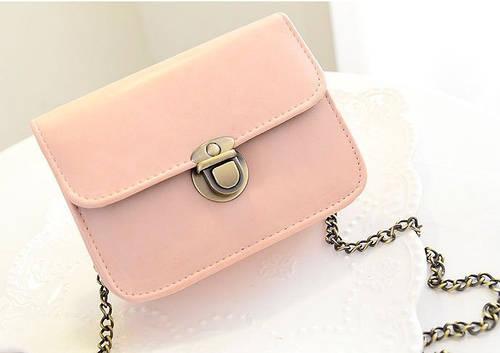 89722e31e90a Женская маленькая розовая сумочка на цепочке из качественной экокожи купить  по выгодной цене в Украине. женские сумочки и клатчи 631773342