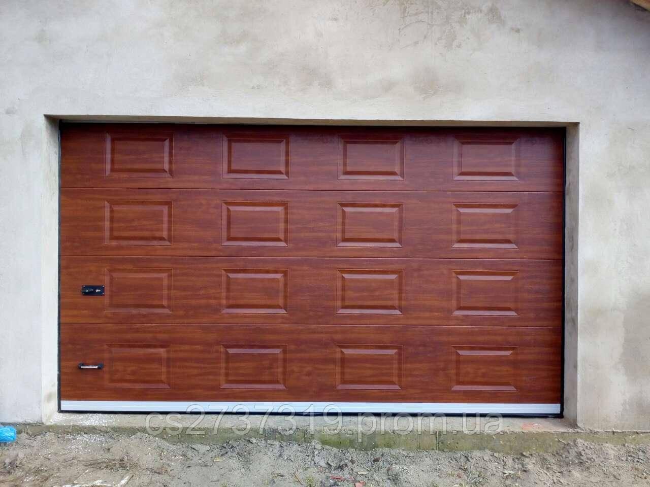 Гаражные секционные ворота  DoorHan 3200*2800, автоматические