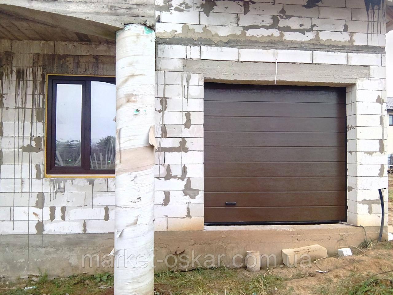 Секционные гаражные ворота Alutech Classic с торсионными пружинами
